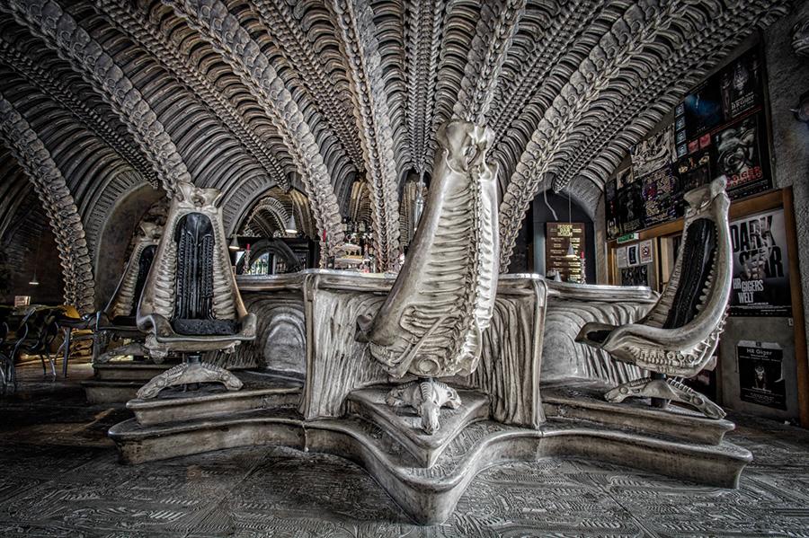 Alien Bar w Gruyere